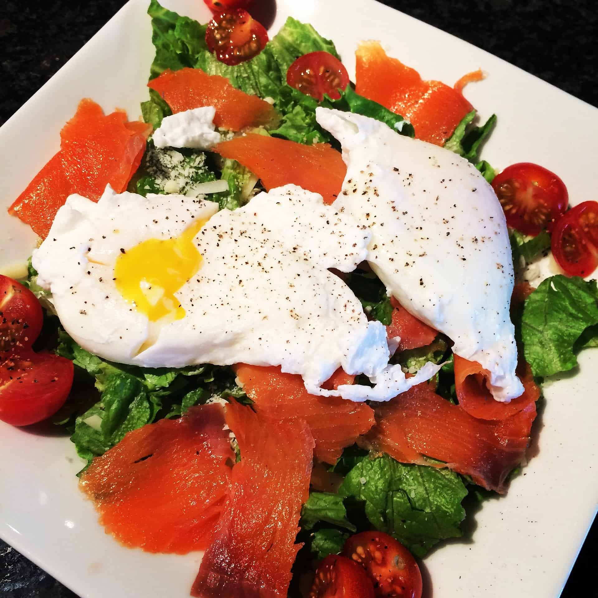 healthy breakfast salad eggs smoked salmon