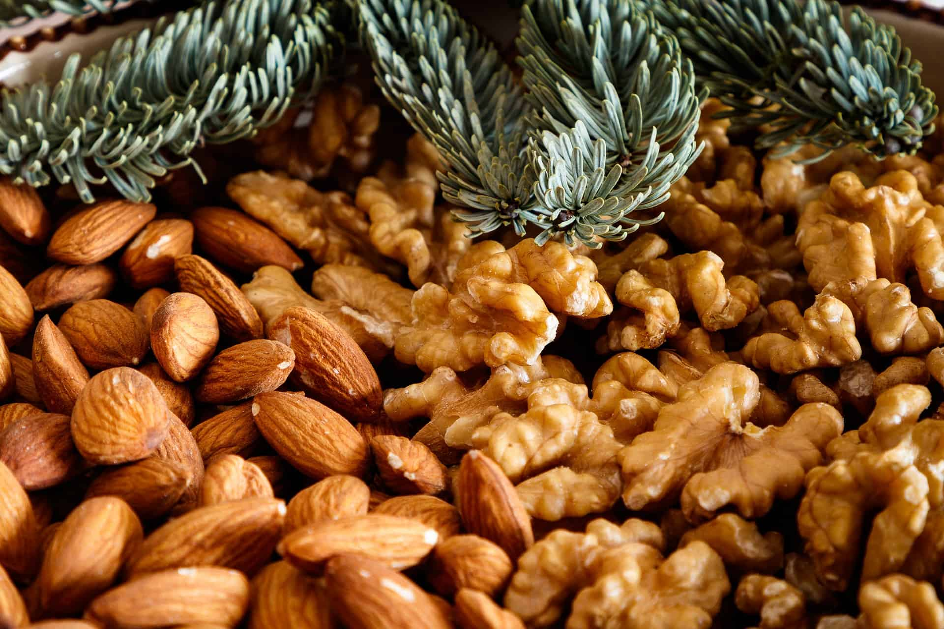 Are Almonds Healthier or Walnuts